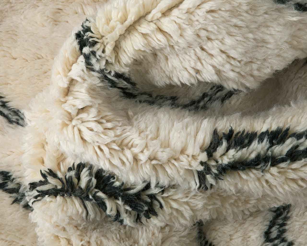 beni ourain knots white wool soft close up 1