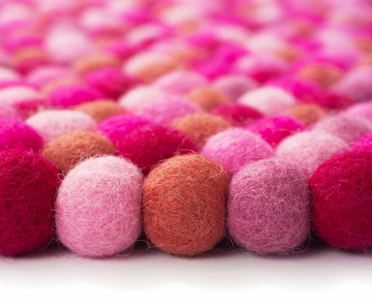 50 felted wool balls