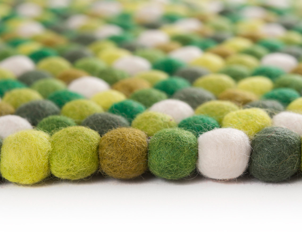 rounds rugs wholesale green nepal